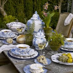 Juliska Country Estate - this beautiful new pattern from Juliska is now available @ L.V. Harkness
