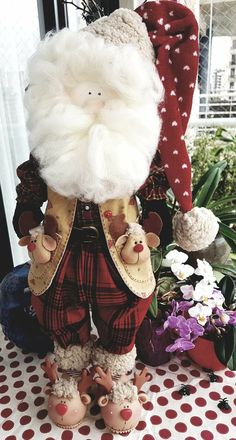 Christmas Love, Handmade Christmas, Santa Doll, Crafts To Make And Sell, Ribbon Embroidery, Old World, Christmas Decorations, Dolls, Doll Shoes