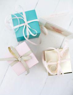 PIENIÄ TOIVEITA – PIENIÄ PAKETTEJA // Uusi Kuu Kuu, Diy Party Decorations, Celebration, Gift Wrapping, Blog, Gifts, Gift Wrapping Paper, Presents, Wrapping Gifts