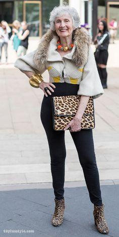 Street style fashion at NYFW with impeccable fashion sense!