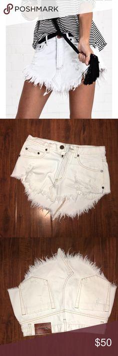 One Teaspoon white 4040 skirt sz 26 Relax fit, low waist skirt - never worn One Teaspoon Skirts Mini