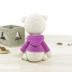 Teddy bear in a hoodie amigurumi by Kristi Tullus