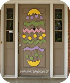 Easter Door Decorate your door for Easter using poster board and masking tape! p Decorate your door for Easter using poster board and masking tape Easter Door Decorate your door for Easter using poster board and masking tape p Hoppy Easter, Easter Bunny, Easter Eggs, Easter Table, Easter Projects, Easter Crafts, Easter Decor, Easter Ideas, Easter Centerpiece
