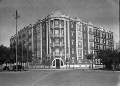 Lisboa, Prédio de Rendimento, Campo Grande,1926- 35.  Estúdio de Mário de Novais, in Biblioteca de Arte da F.C.G..