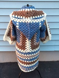 [Stunning] The Campfire Cardigan – Free Crochet Pattern! Love this design is simple and funny <3 Enjoy!