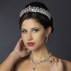 Our best-selling Silver plated Kate Middleton Replica Royal Wedding Halo Tiara will add a regal touch to your wedding or quinceanera. Royal Wedding Themes, Royal Wedding Invitation, Royal Wedding Gowns, Kate Middleton Makeup, Princess Kate Middleton, Rhinestone Wedding, Crystal Wedding, Gold Wedding, Wedding Hair