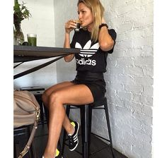 Adidas outfit: Original Trefoil Tee and Gazelle OG sneakers