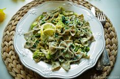 CREAM CABINET: Homemade gluten-free and vegan quinoa noodles with wild garlic pesto and roasted Romanesco Quinoa Noodles, Wild Garlic Pesto, Cookbook Shelf, Cream Cabinets, Vegetarian Recipes, Cabbage, Roast, Healthy Eating, Gluten Free