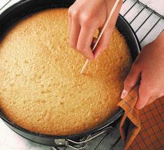 ταχινοπιτα Sweet Recipes, Cake Recipes, Eat Greek, Greek Desserts, Vegan, Something Sweet, Cake Pops, Cornbread, Deserts