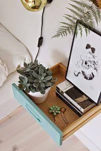 Ideas geniales para crear mesillas de noche alternativas. Una maleta, un bidón reciclado o una montaña de libros.