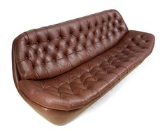 Retro Sofa in Buttoned Brown Leather Retro Furniture, Antique Furniture, Retro Sofa, Buy Sofa, Mid Century Furniture, Cool Stuff, Stuff To Buy, Beautiful Homes, Sofas