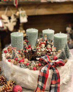 Christmas Advent Wreath, Christmas Jars, Winter Christmas, Christmas Crafts, Xmas, Bright Christmas Decorations, Table Decorations, Christmas Is Coming, Seasonal Decor