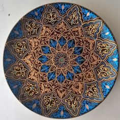 This Pin was discovered by нат Mandala Draw, Mandala Canvas, Mandala Painting, Dot Painting, Ceramic Painting, Elefante Hindu, Design Mandala, Plate Wall Decor, Painted Plates