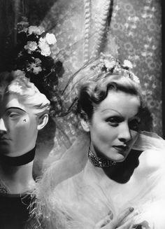 Marlene Dietrich, photo by Cecil Beaton, 1935