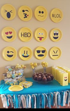 Birthday Party Emoji Diy Smiley Faces Ideas For 2019 - lilli Party Emoji, Emoji Party Decor, Emoji Decorations, 9th Birthday Parties, Birthday Bash, Birthday Kids, Birthday Celebration, Birthday Emoji, Fete Emma