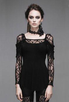 Le Haut Gothique Dhalia c'est le nouveau coup de coeur de la boutique, ces nombreux détails en font une pièce d'exception! #Vetement #Gothique