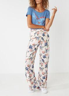 Op zoek naar Pepe Jeans Ika wide fit pantalon met bloemendessin ? Vind je favoriete items bij de Bijenkorf. Ma t/m za voor 22.00 uur besteld, morgen gratis thuisbezorgd. Pepe Jeans, Pajama Pants, Pajamas, Fitness, Closet, Dresses, Fashion, Pjs, Vestidos