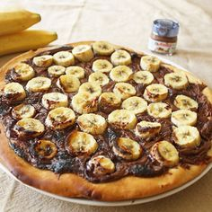 Tarte pizza bananes nutella : 30 desserts express hivernaux - Journal des Femmes