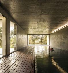 The Hill Cork House. Location: Leiria, Portugal; Architects: Contaminar Arquitectos; photo: FG+SG – Fernando Guerra + Sergio Guerra; Year: 2013