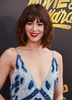 Gentleman Boners is a true gentleman's club. Only the finest eye candy of the classiest nature can be found here. Beautiful Redhead, Beautiful Celebrities, Mary Elizabeth Winstead, Anne Hathaway, Celebrity Hairstyles, Shoulder Length, Hair Lengths, Hair Makeup, Hair Cuts