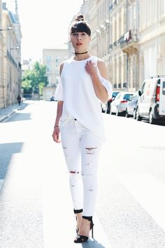 #white #inspiration #fashionbloggers #spring #summer #zara #ledressingapaillettes #missaliac #france #looks #ootd #rippedjean #jean #girl