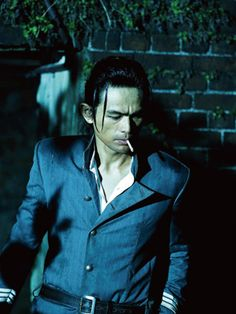 Hajime Saito (Yosuke Eguchi) the most badass policeman ever. Rurouni Kenshin