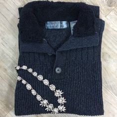 OSCAR DE LA RENTA Sweater Thick knitted and fully lined, perfect for jeans or khakis. Oscar de la Renta Sweaters