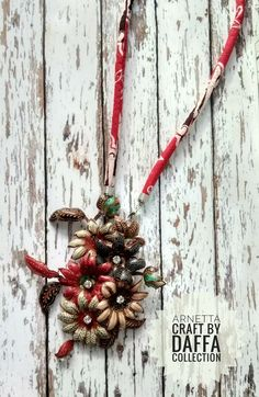 Collars, Decoupage, Christmas Wreaths, Projects To Try, Leaves, Holiday Decor, Fabric, Crafts, Accessories