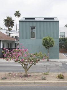 Part Office · Fairfax Garage Conversion Colour Architecture, Facade Architecture, Contemporary Architecture, 3d Home Design, Home Design Floor Plans, House Design, L Shaped House, External Render, Facade House