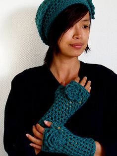 Beautiful Crochet Hat and Gloves: free patterns
