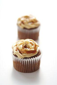 Yue's Handicrafts ~月の工作坊~: Salted Caramel & Chocolate Cupcakes