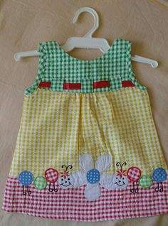 Applique & gingham Toddler Dress, Toddler Outfits, Baby Dress, Kids Outfits, Frock Patterns, Baby Patterns, Baby Sewing Projects, Sewing For Kids, Girl Doll Clothes