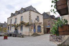 Rochefort-en-Terre_50889_La-Mairie.jpg (1024×680)