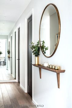 hallway decorating 781304235343108201 - Remarkable DIY Small Apartment Decoration Ideas … remarkable DIY small apartment decorating ideas Source by ajpetiannus Interior Design Living Room, Living Room Decor, Bedroom Decor, Porch Interior, Interior Livingroom, Diy Interior, Interior Doors, Kitchen Interior, Room Interior
