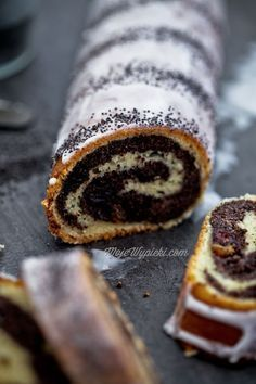 Poppy Seed wrap (roll) - traditional Polish recipe (View it with Google Translate) http://www.mojewypieki.com/przepis/makowiec-zawijany