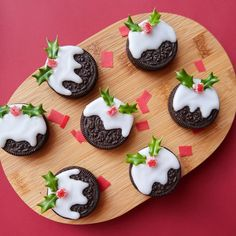 Easy DIY Oreo Christmas Puddings by Nikki McWilliams. These would make excellent cookies to be left for Santa Claus on the night before Christmas!