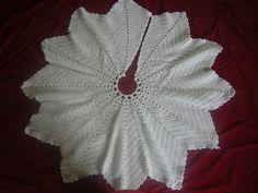 Crochet Christmas Tree Skirt.