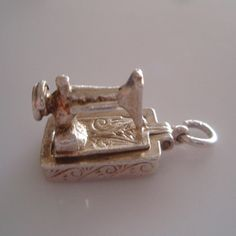 Vintage Sterling Silver Sewing Machine Charm - 27gbp