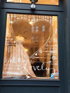 Lovely bridal shop window dressings store window displays, s Shop Front Design, Store Design, Visual Merchandising, Vitrine Design, Window Display Retail, Display Windows, Retail Displays, Decoration Vitrine, Window Art