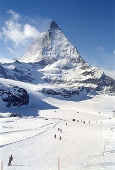 seems like i've been here, who knows -->> Ski the Alps - Zermatt + Matterhorn. One day... :)