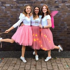 Couples Halloween Costumes Ideas Photos) - Page 14 of 17 - Inspired Beauty Halloween Costumes For Teens, Halloween Costume Contest, Costumes For Women, Halloween Couples, Family Halloween, 80s Costume, Diy Costumes, Zombie Costumes, Homemade Costumes