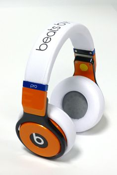 Design a pair of Beats by Dre Pro headphones at ColorWare.