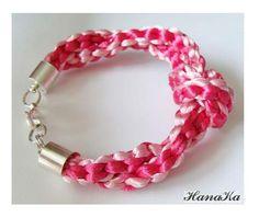Własnoręcznie wyplatana bransoleta gruba ok 1-1,5 cm z supłem jasny róż i fuksja, zapięcie w kolorze srebrnym by HanaKa