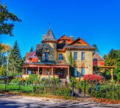 Fall Foliage Park Place Niagara Falls Bed and Breakfast Niagara Falls Ontario, Cities, Best Bed And Breakfast, Historical Landmarks, Second Empire, Canada, Country Style Homes, City Buildings, Victorian Homes