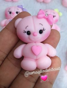 Polymer Clay Disney, Cute Polymer Clay, Cute Clay, Polymer Clay Projects, Resin Crafts, Fabric Doll Pattern, Kids Clay, Fondant Animals, How To Make Clay