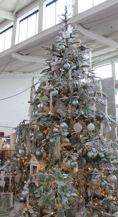 47 best decorated christmas tree designs images christmas tree rh pinterest com