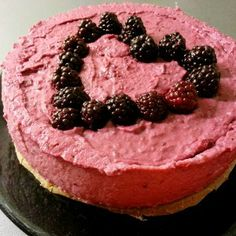 Blackberry vegan raw cake