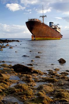 ♂ Resting Place of an old ship...a soft spot for such wrecks