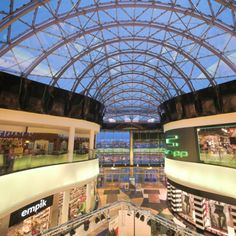 Linklaters has acted for CBRE Global Investors European Shopping Centre Fund (CBRE Global Investors ESCF), on the acquisition of the Galeria Mazovia shopping center in Plock, Poland.
