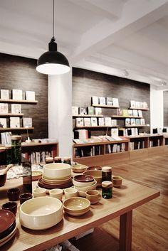Gestalten | Books and Design, open from mon & wed-fri 12:00 - 19:00, Sophienstraße 21, U Weinmeisterstrasse #shopping #Berlin